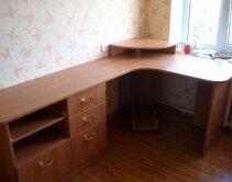Угловой письменный стол - мебель для детской изготовлена на заказ